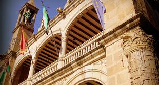 El Alcalde informa a los portavoces de la oposición de la suspensión de todos los órganos colegiados del Ayuntamiento