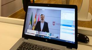 El alcalde anuncia nuevas exenciones de tasas para las empresas Placentinas