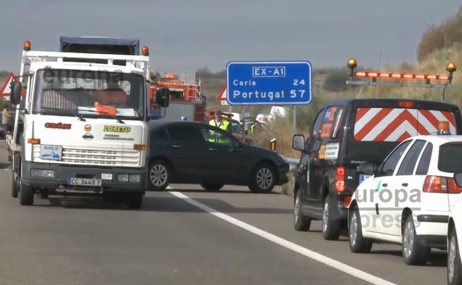 Restablecida la circulación en la EX-A1 tras la colisión múltiple de vehículos en Galisteo