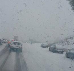 La nieve obliga a cortar el tráfico en el Puerto de Honduras