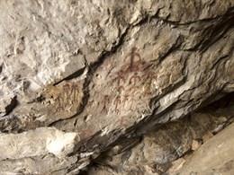 Abre al público junto al Castillo de Monfragüe un abrigo con muestras de arte rupestre