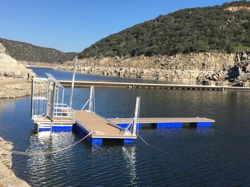 Comienzan las obras del aparcamientos del embarcadero de Serradilla