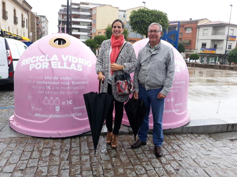 Ecovidrio y el Ayuntamiento de Plasencia presentan la campaña 'Recicla Vidrio por ellas' con motivo del Día Mundial del Cáncer de Mama