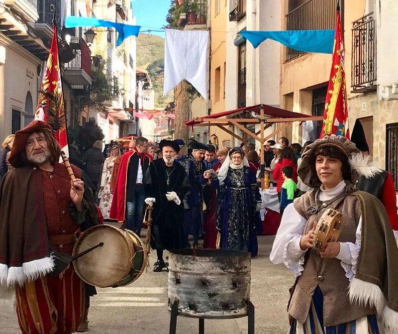 Tornavacas celebra el gran mercado imperial 'Carolus Imperator'