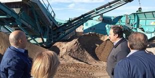 El diputado de Medio Ambiente y Transición Ecológica, Alfonso Beltrán, visita la Planta de Residuos de Plasencia