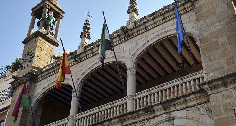 El ayuntamiento de Plasencia mantiene el servicio de Ayuda a Domicilio atendiendo a la recomendación del Ministerio