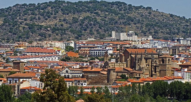 El Ayuntamiento de Plasencia organiza una central de alquileres para los sanitarios