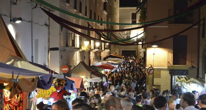 El Alcalde anuncia que se celebrará el Martes Mayor 'con un mercado controlado y todas las medidas de higiene y seguridad'