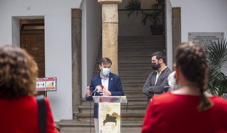 Kiko Veneno inaugura las Noches de Santa María el 16 de octubre con un concierto en la Plaza de la Catedral de Plasencia