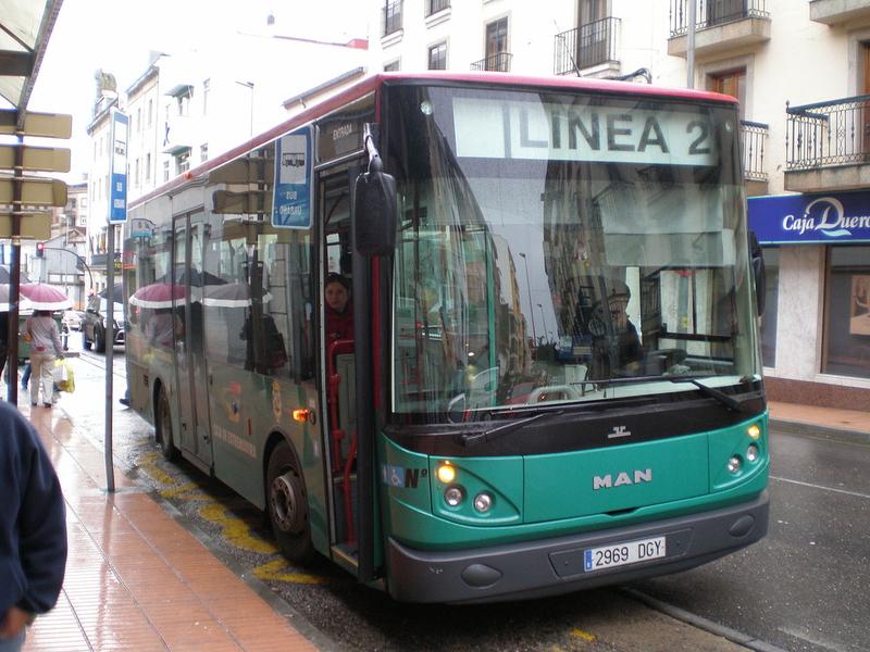 El servicio de autobuses urbanos se seguirá prestando en Plasencia gracias a un acuerdo de compensación de pérdidas con el Ayuntamiento