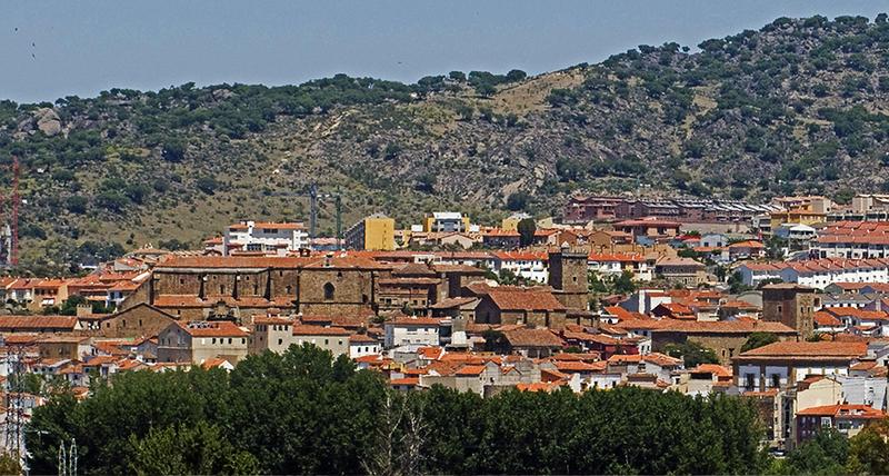 El Ayuntamiento inicia los trámites para liberar la muralla en la puerta de Talavera