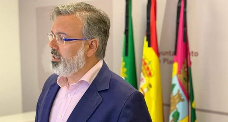 Pizarro anuncia ayudas directas para los negocios afectados por el cierre decretado por la Junta