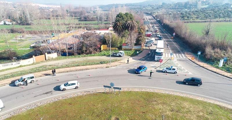 La Policía intensifica los controles de entrada y salida de la ciudad para asegurar el cumplimiento de las normas