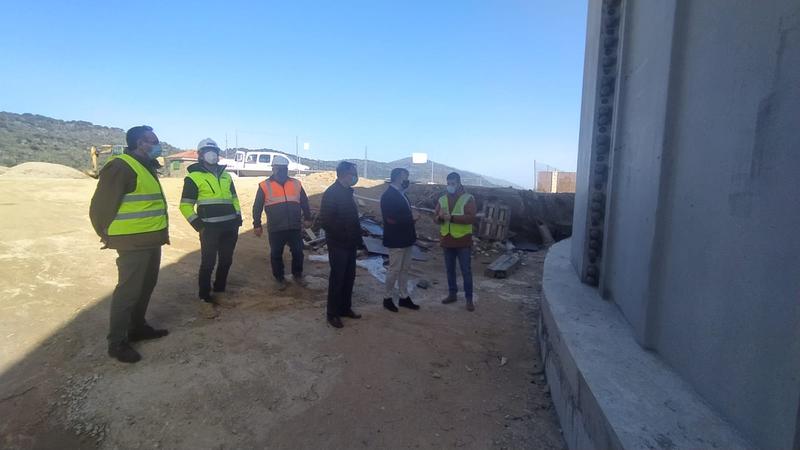 El Alcalde visita el nuevo depósito de de distribución del agua en el que se ah invertido 1 millón de euros