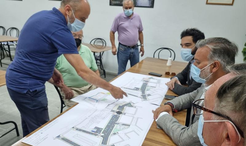 El Alcalde anuncia la creación de una nueva plaza, más aparcamientos y mejora de la accesibilidad en el barrio de Miralvalle